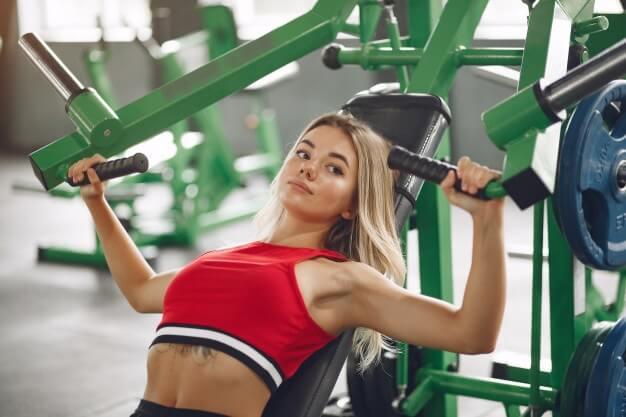 Rutina para mujeres principiantes en el gimnasio