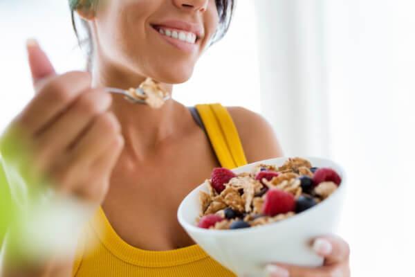 Que desayunar fuera de casa para no engordar