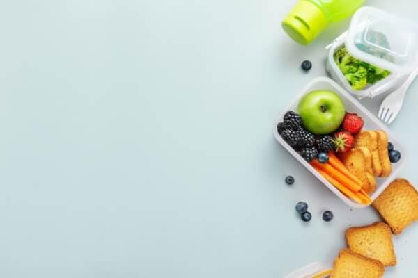 prepara una comida saludable para llevar