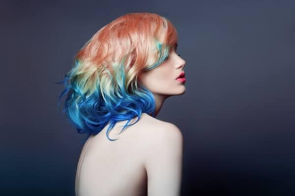 cuidado del cabello teñido, no te laves el pelo con excesiva frecuencia