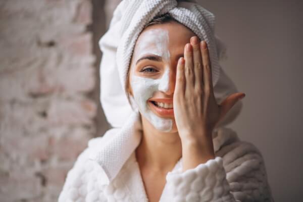 utiliza crema hidratante para la piel de tu rostro