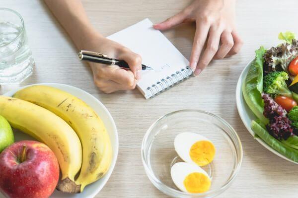 como calcular las calorías que tengo que comer para perder peso o engordar