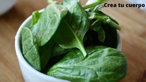 espinacas, uno de los alimentos verdes mejores para nuestro organismo