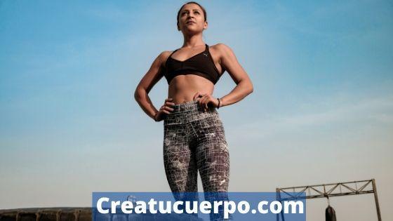 Haz una gran variedad de ejercicios para levantar tu pecho, como levantar tus senos naturalmente