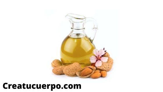 El aceite de aguacate y el de almendras tienen un efecto muy positivo a la hora de eliminar las ojeras