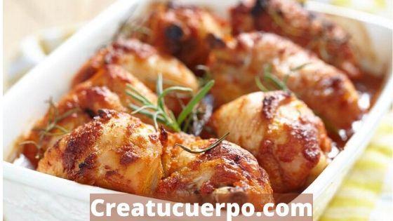 muslos de pollo al horno, una de las cenas más sanas que puedes preparar
