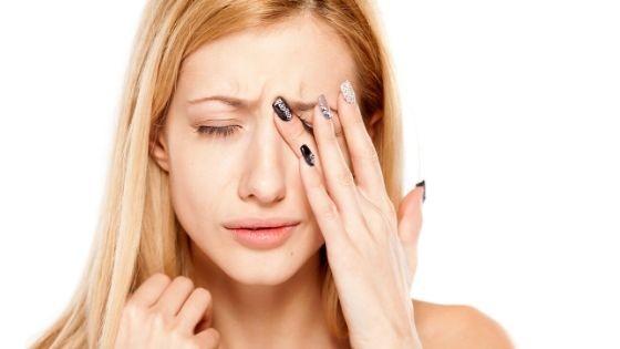 como aliviar los ojos rojos y cansados