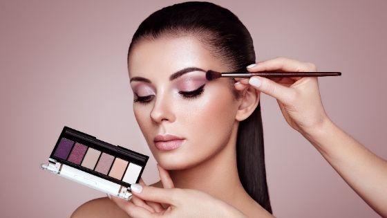 ¿Cómo maquillar la piel grasa? Guía paso a paso