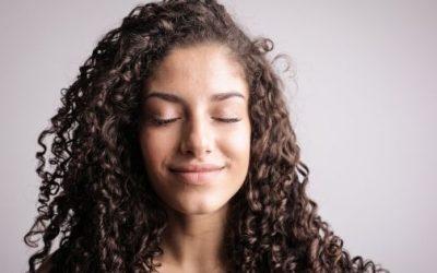 ¿Cómo tener el pelo rizado bonito al día siguiente de lavarlo?