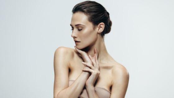 ¿Qué es bueno para mantener una piel joven?