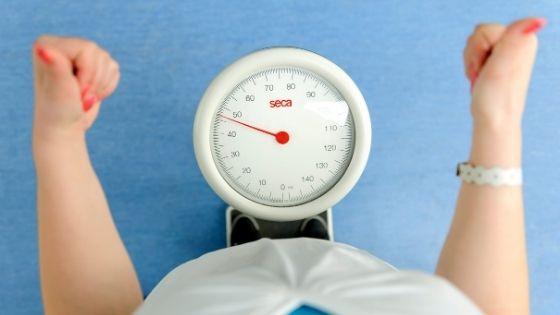 ¿Cuánto debo comer para bajar de peso?