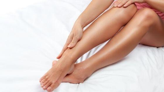 Como mantener hidratada la piel de las piernas