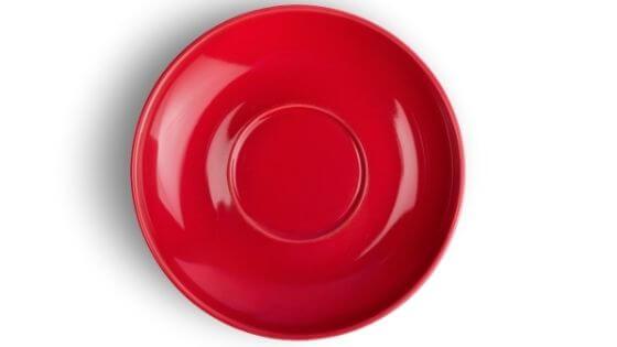 El usar platos rojos te ayudará a reducir tu apetito y a comer menos cantidad