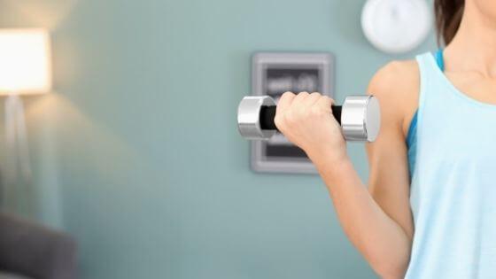 Rutina de ejercicios para tonificar los brazos en casa