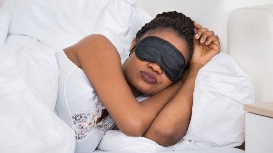 ¿Qué hacer para no despertarse por las noches?