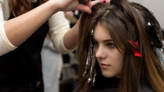 Técnicas para combinar el pelo negro