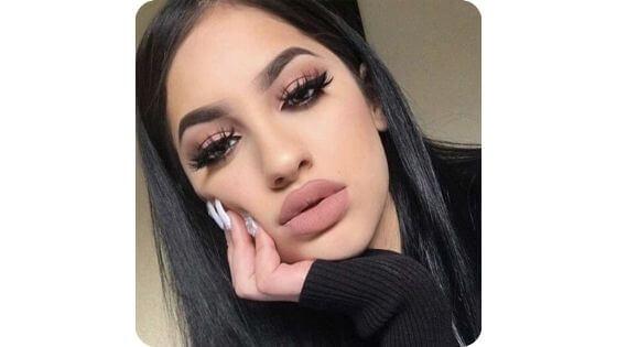 El maquillaje es esencial para una chica tumblr