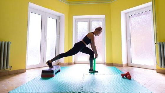 ¿Cuál es la mejor manera de adelgazar haciendo ejercicio en casa?