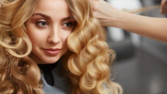 Como cuidar y cortar el pelo rizado en mujeres