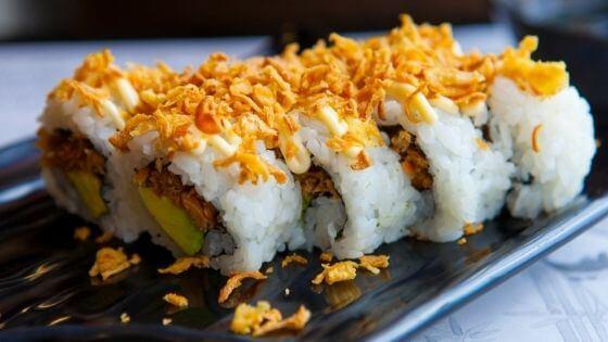 Ingredientes del sushi uramaki o California roll