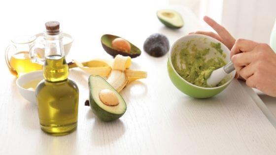 Mascarilla casera de aguacate y aceite de oliva