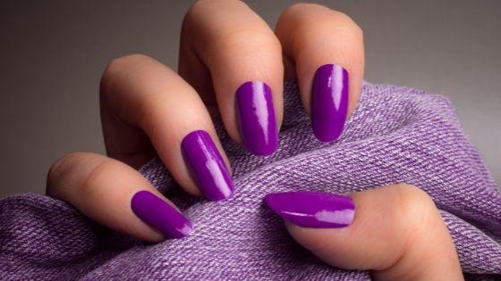 Uñas de gel lilas